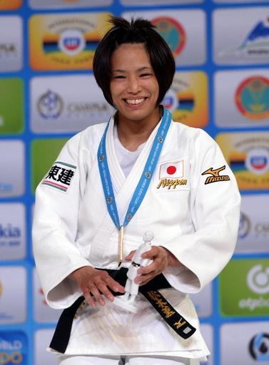 松本が女子57キロ級で2度目の金メダル、世界柔道