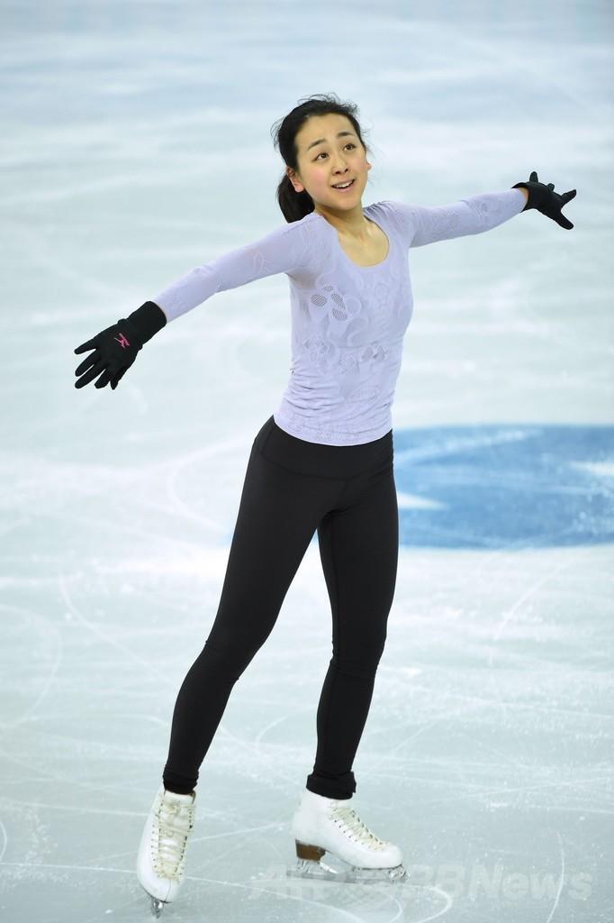 フィギュアの会場で練習に臨む浅田真央、ソチ五輪