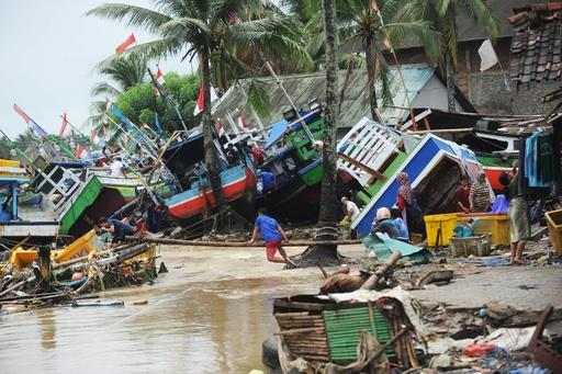 【写真特集】インドネシアで再び津波、スンダ海峡の火山噴火で