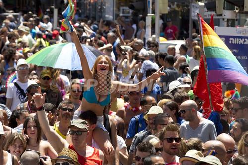 国際ニュース:AFPBB Newsゲイ・プライド・パレード始まる、イスラエル