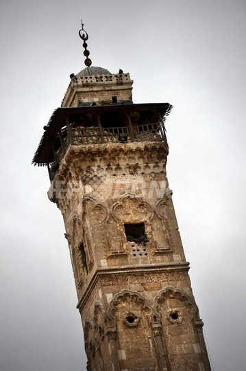 ウマイヤド・モスクの塔、戦闘で崩壊 シリア北部アレッポ