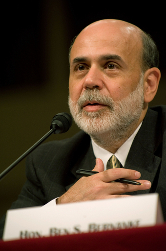 FRB議長、金融機関救済案の早期可決を要請 米議会で証言