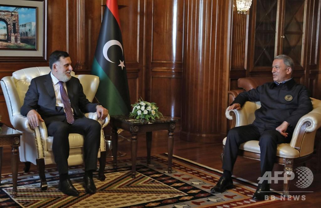 リビア停戦合意、和平への「困難な道」の第一歩