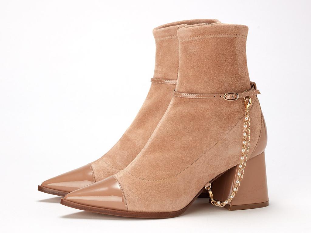 「アディアム」の靴&バッグで叶える秋のモダンスタイル