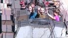 動画:スリル求め「トレインサーフィン」続けるロシアの若者たち