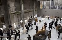 東京で終幕、「バーバリー」クチュールケープ コレクション開催
