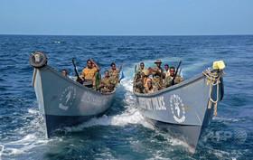 ソマリア沖タンカー乗っ取り、海賊が乗組員を解放