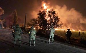 メキシコ、石油パイプラインで大規模火災 21人死亡