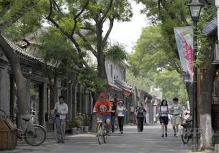 近隣住宅巻き込む陥没穴、議員が自宅に地下室建造で 北京