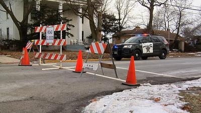 米シカゴ郊外の銃撃事件、5人死亡 警察