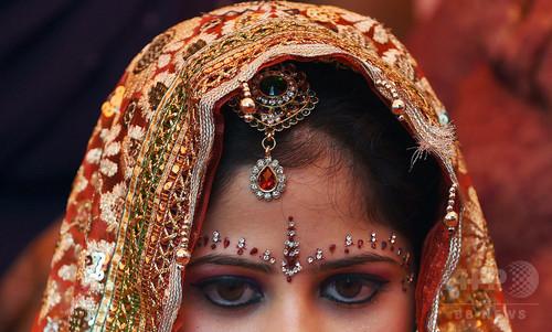 算数できない新郎はお断り!新婦が結婚式から逃げ出す インド