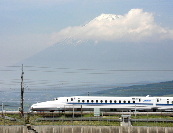 Japan lacking a frontman in its quest to sell the Shinkansen overseas