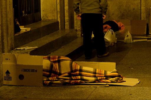 ホームレスの男性、12歳少年たちに火付けられ死亡 セルビア