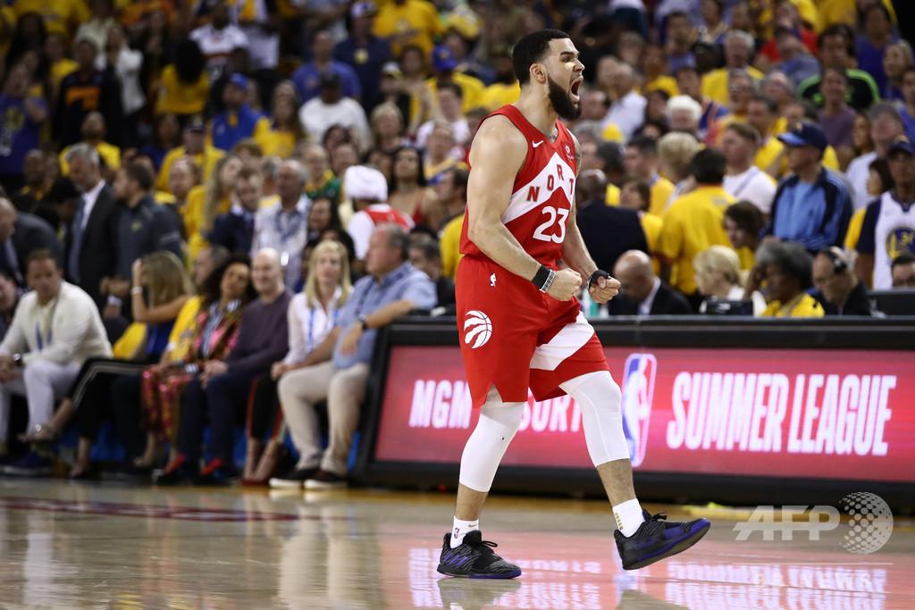 NBA新シーズン開幕、王者ラプターズはペリカンズ下し白星発進