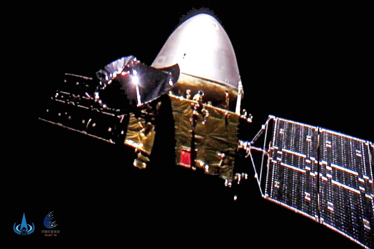 中国初の火星探査機「天問1号」、飛行距離3億キロ突破