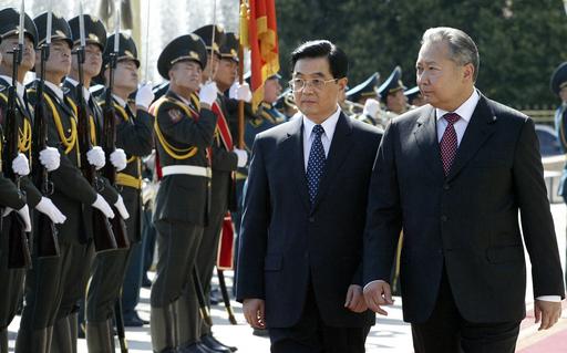 中国国家主席がキルギス訪問、連携強化へ