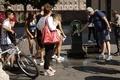 欧州南部で「悪魔」の熱波が猛威、伊ナポリで体感気温55度