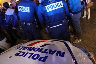 テロ計画容疑で14歳と15歳の少女2人を逮捕、フランス