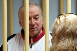 毒殺未遂のロシア人元二重スパイが退院 病院発表