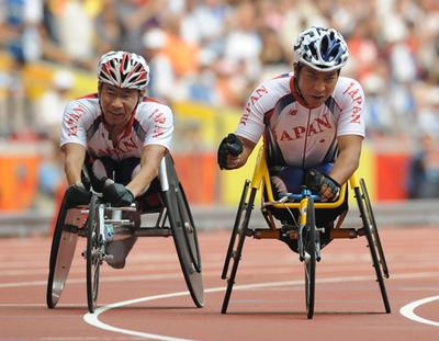 男子800メートルで日本がワンツーフィニッシュ