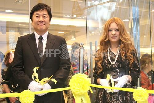 フォーエバー21渋谷オープン、西野カナが祝福!