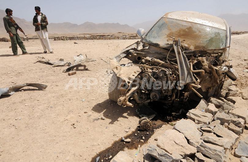 アフガニスタン教育相の車列で爆発、1人負傷