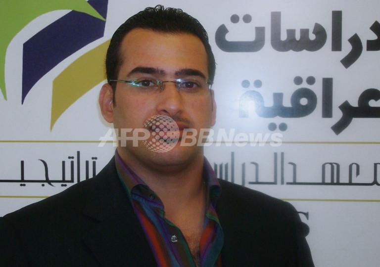 イラク靴投げ記者、禁固1年に減刑