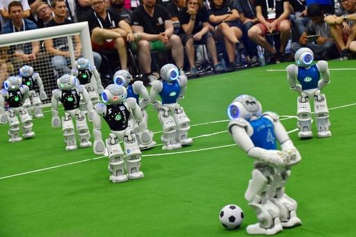 動画:ロボットのW杯「ロボカップ」、名古屋で開催