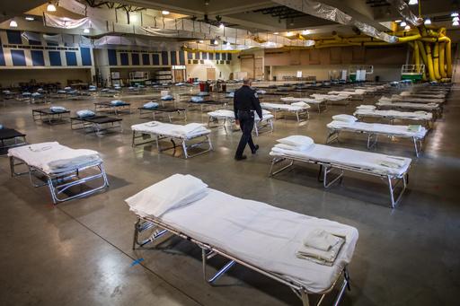 新型コロナ、米で20万人死亡の恐れも 致死率は2週間以内にピーク到達か