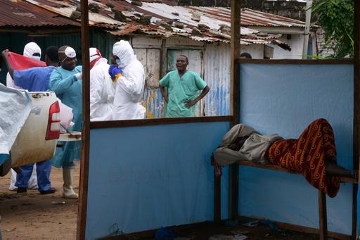 シエラレオネ、エボラ対策で国を封鎖へ 19日から全土で外出禁止