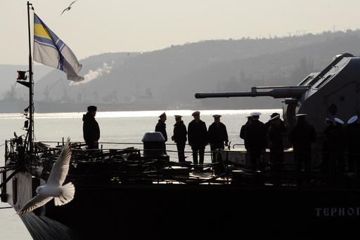 クリミアで武装集団が軍艦占拠 ウクライナ国防省発表
