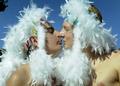 スペインでゲイ・プライド・パレード、先導は平等相