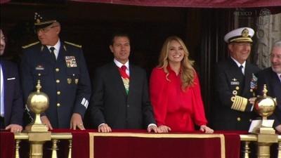 動画:メキシコで軍事パレード、独立記念日祝い 大統領出席
