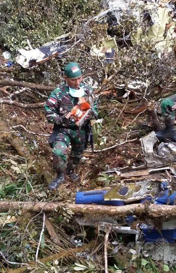 インドネシア機墜落現場で54人の...