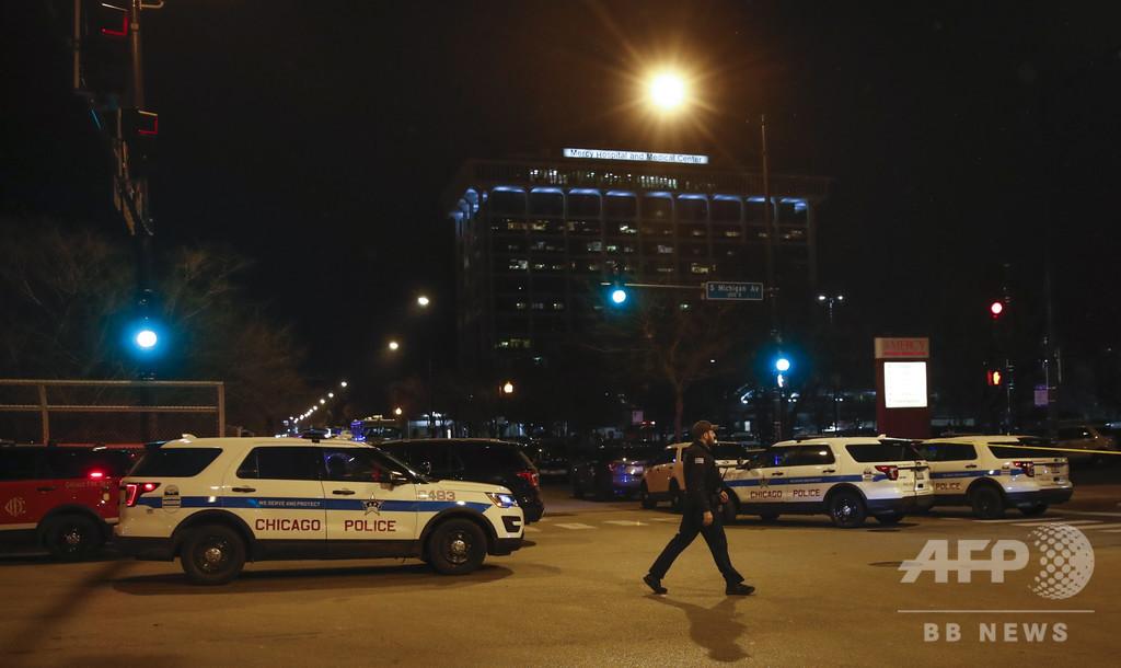 1歳児が銃で撃たれ死亡、走行中の車から発砲 米シカゴ