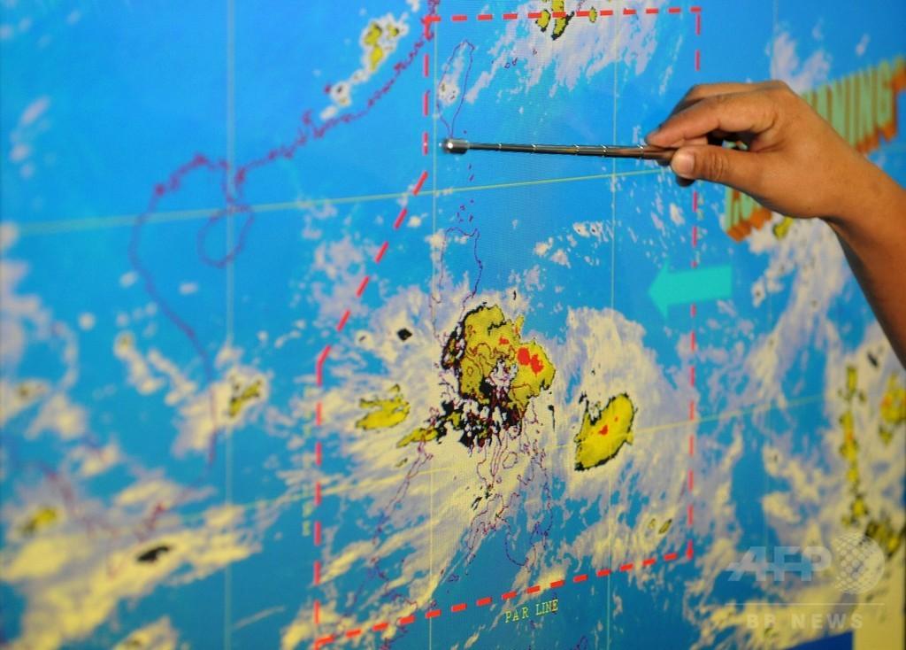 強風をおならの効果音で表現、気象予報士を解雇 ハンガリー
