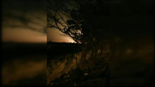 動画:イランでウクライナ機墜落、乗客乗員176人全員死亡 墜落の瞬間映像か