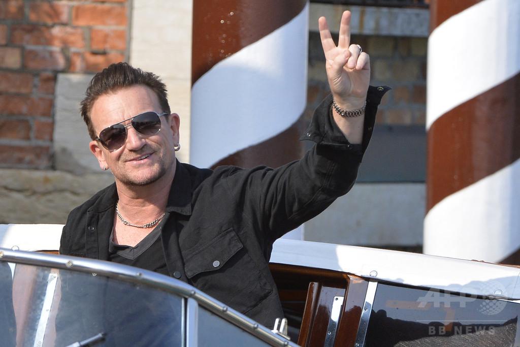 U2のボノ「サングラスは緑内障のため」