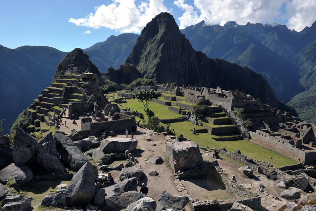 マチュピチュ遺跡で全裸写真、英仏の観光客2人逮捕 ペルー