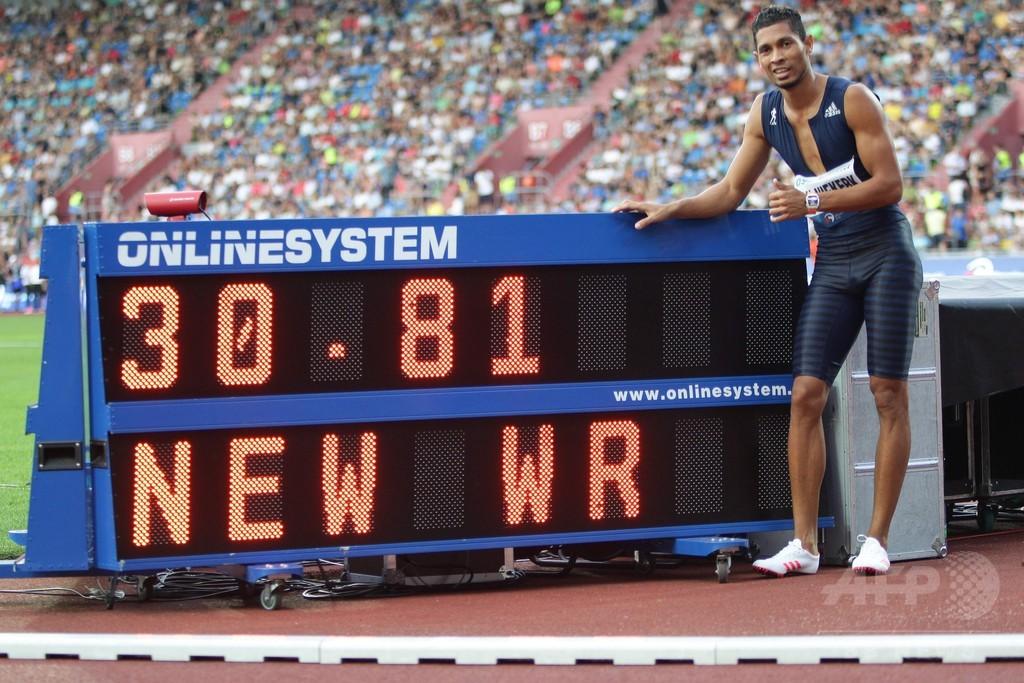 バンニーキルクが男子300mで世界新、ボルトが後継者に指名