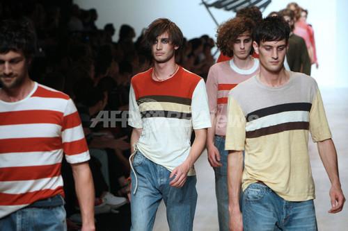 <09年春夏パリ・メンズコレクション>ポール・スミス、新作を発表