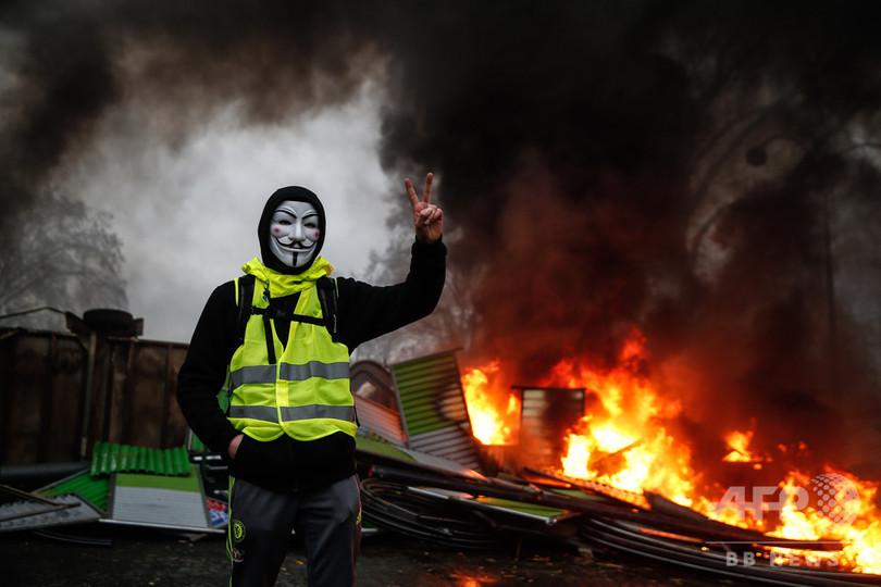 仏政府、富裕税復活を検討へ 「黄色いベスト」運動で要求