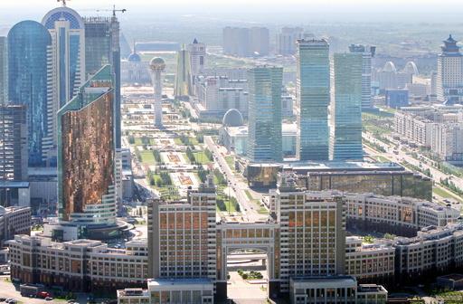 カザフスタンで軍基地など襲撃、6人死亡 武装グループを追跡