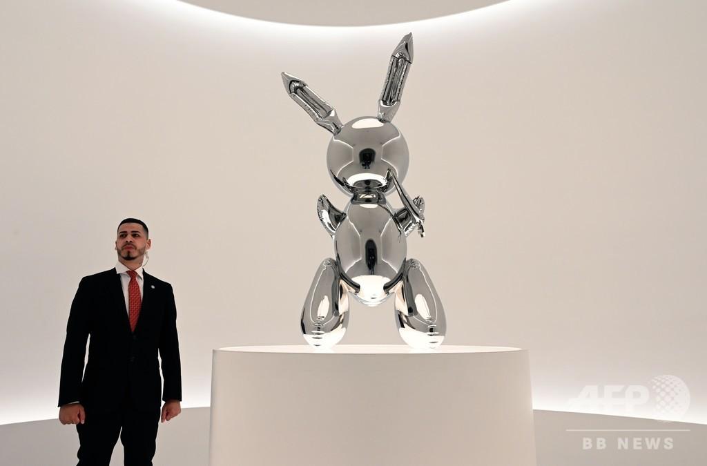 J・クーンズ氏の彫刻「ラビット」 100億円で落札、存命芸術家では史上最高額