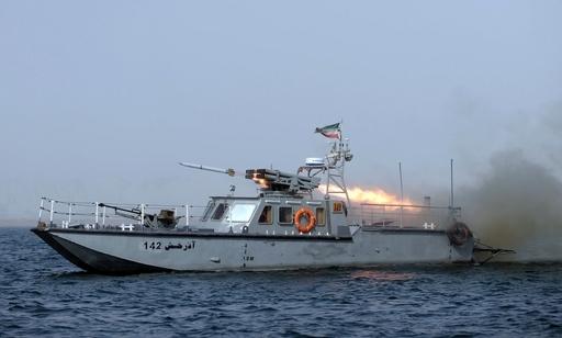 「中距離対空ミサイルの試射に成功」、イラン海軍