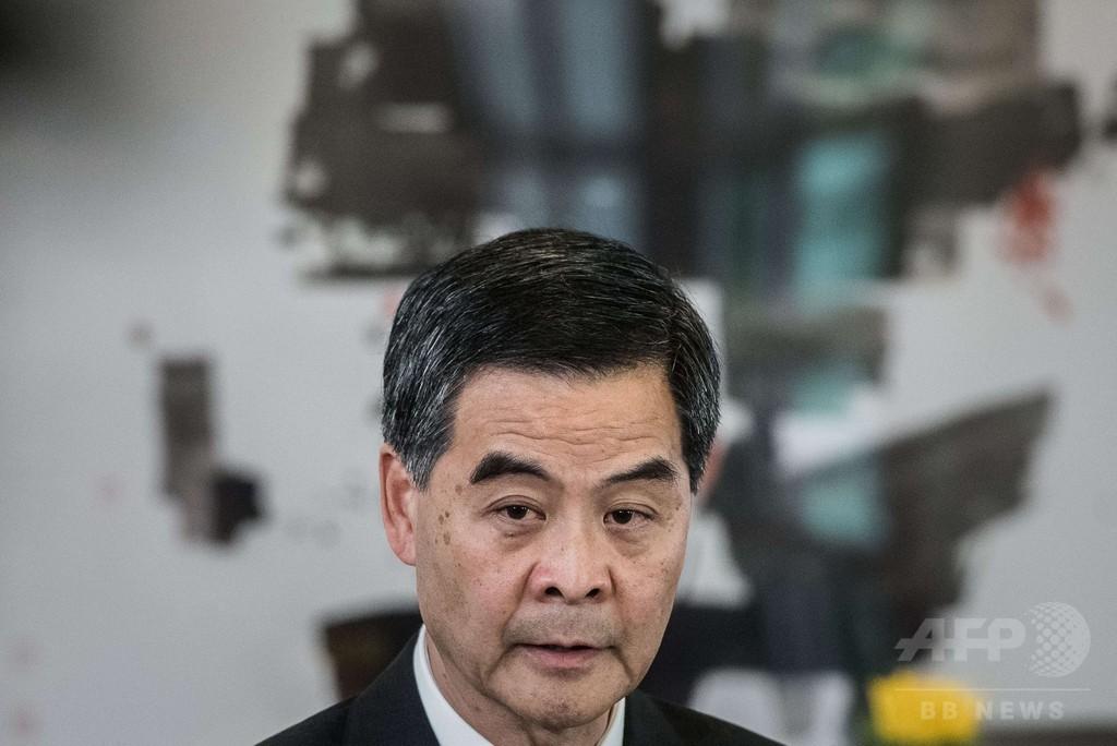 民主主義許せば低所得層が選挙支配、香港長官が発言