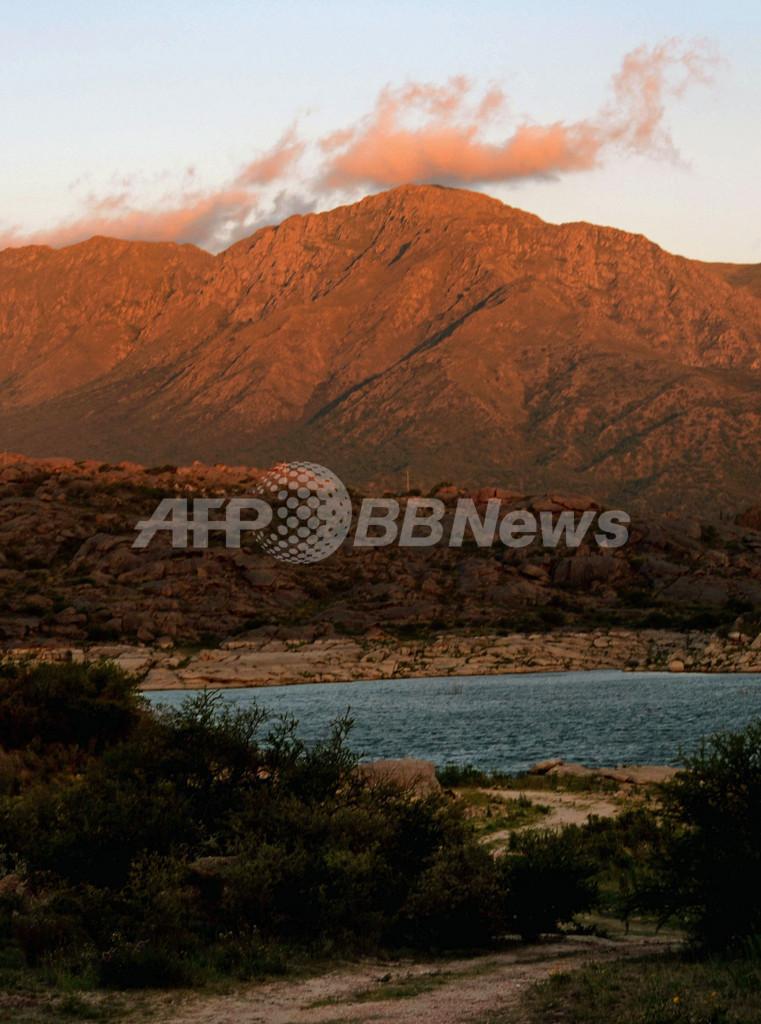 「終末の日」の集団自殺を防止、アルゼンチンの山が閉鎖に