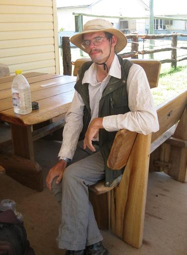 原野で迷子2週間、ハエ食べて生還 豪州