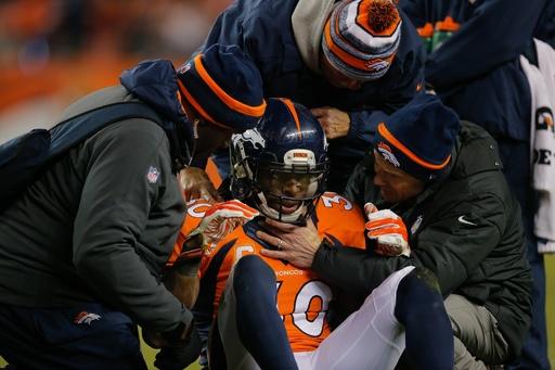 脳振とう多いと勃起不全リスク上昇、元NFL選手の調査で判明