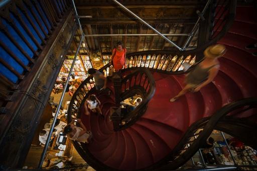 「ハリー・ポッター」の雰囲気そのまま、ポルトガルのレロ書店